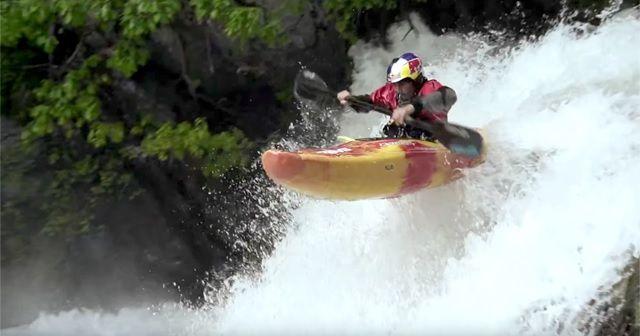 超絶テクニックで激流を下る!『Freestyle Kayaking(フリースタイルカヤック)』
