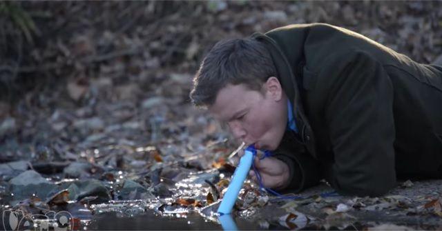 アウトドアに最適!『LifeStraw』があればどんな水でも飲める!?