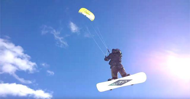 冬が楽しみ!今年は空飛ぶスノボー『スノーカイトボード(Snow Kiteboarding)』に挑戦しよう!!