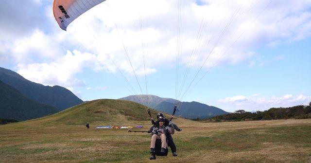 พาราไกลด์ดิ้ง(Paragliding)