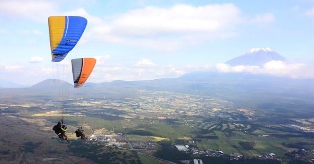 【体験レポート】この季節が飛び時!!『パラグライダー』飛んできました!!のバナー