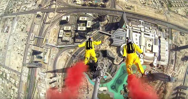 世界一高い高層ビル『ブルジュ・ハリーファ (burj khalīfah)』からのBASE JUMP!!!