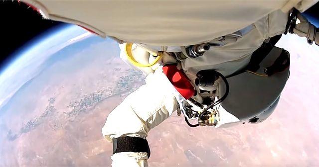 落下速度は驚愕の時速1342.8km!!!宇宙からダイブする『space Jump(スペースジャンプ)』なるものがあるのか!!!