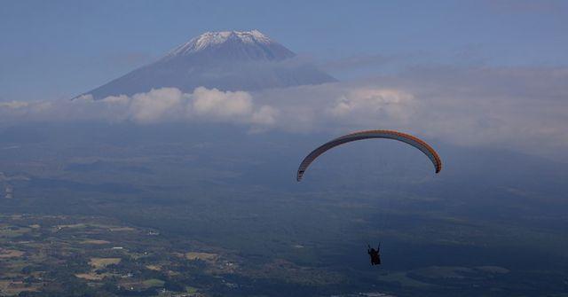 20151125_garvy_paraglider