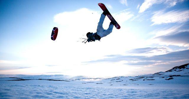 Snowkiteboarding(スノーカイト)