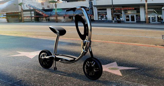 『INU(犬)』と名付けられたモバイル電動スクーターが未来的!