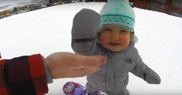 天才スノーボーダー現る!初めての滑走でこの余裕…そしてめちゃくちゃカワイイ!!