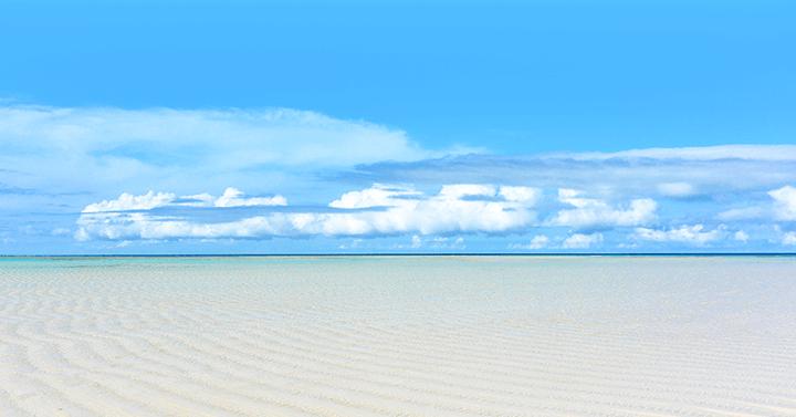 世界屈指の透明度を誇る幻のビーチ百合ヶ浜