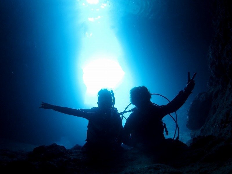โอกินาว่าดำน้ำขอแนะนำถ้ำสีฟ้า