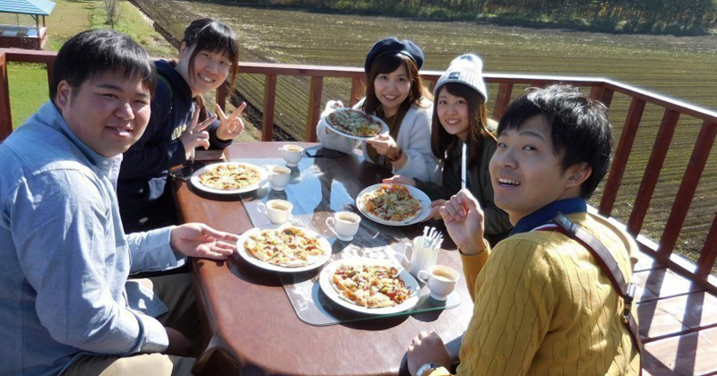 "【Hokkaido / Tokachi Recommended】 Okonomiyaki in the great nature Pizza making experience and handbags with ingredients BBQ popular ""North Farming Nita"""