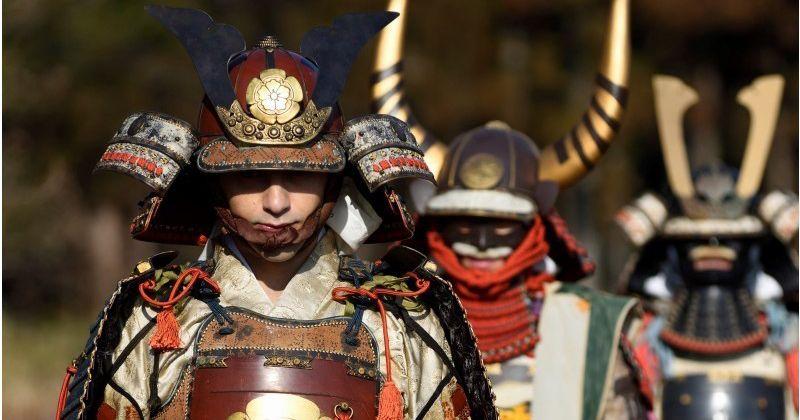 【東京・浅草おすすめ日本文化体験】本物の甲冑を使用し侍に変身!本格的なサムライ体験が人気「和坐 -waza-」