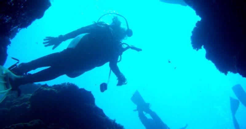 青の洞窟|まとめ|沖縄・北海道・伊豆|ランキング・アクセス・ツアー・予約