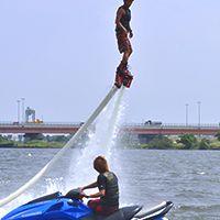 フライボード(水圧で空を飛ぶ)