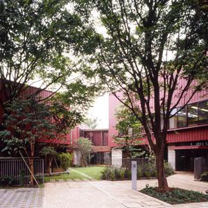 知弘美術館